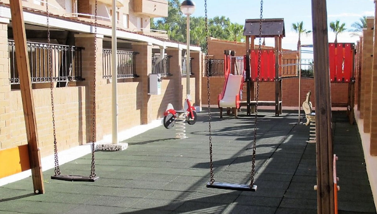 parque-infantil-apartamentos-marina-dor-a00924