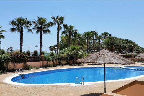 piscina-apartamento-marina-dor-a01270